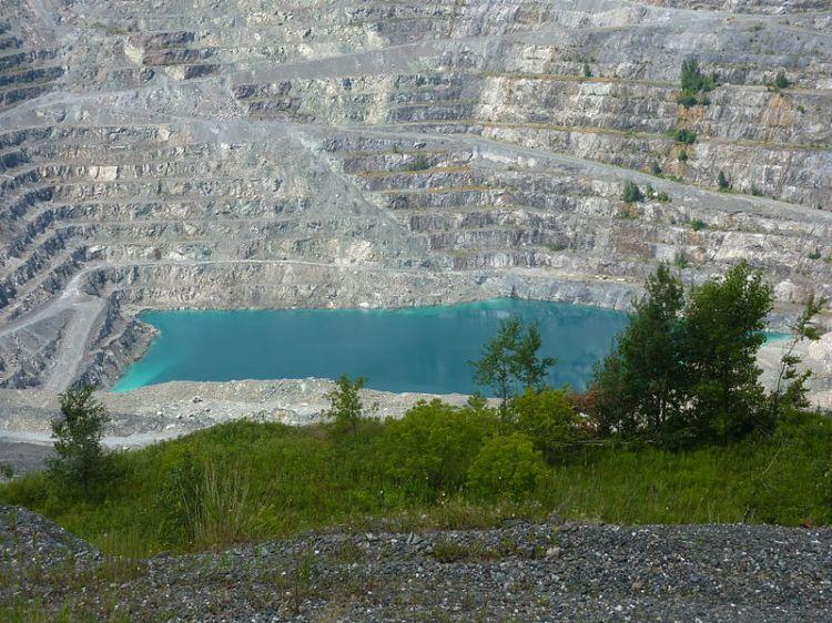 Asbestos, QC.  Image: Bryn Pinzgauer